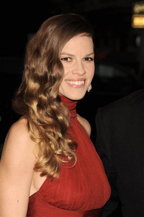 Hilary Swank Bra Size, Age, Weight, Height, Measurements