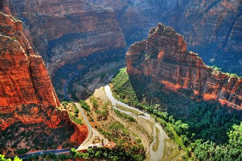 Zion Canyon view from Angel's Landing - Zion National Park