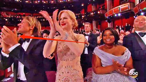 Here's the likely reason why Nicole Kidman's hands looked