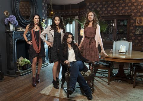 'Witches of East End' Is Just Way Too Much Like 'Charmed'
