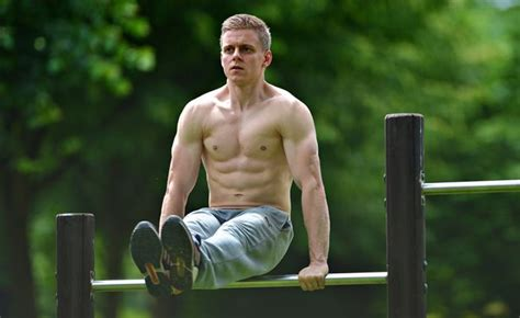 3 Bodyweight Exercises Every Man Must Master Before