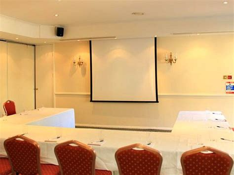 The Devils Punchbowl Hotel, London | Best price guaranted