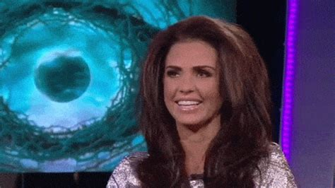 WOW MAKEOVER! Katie Price unveils short hair and amazing
