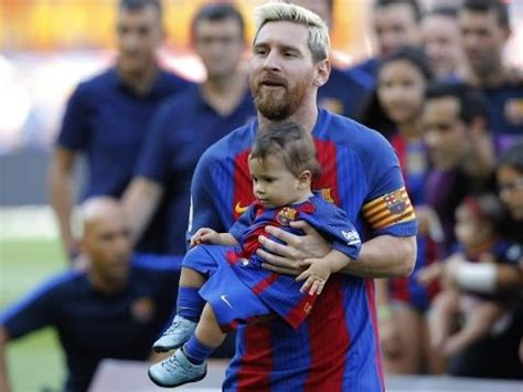 Lionel Messi spending time with his sons Thiago and Mateo
