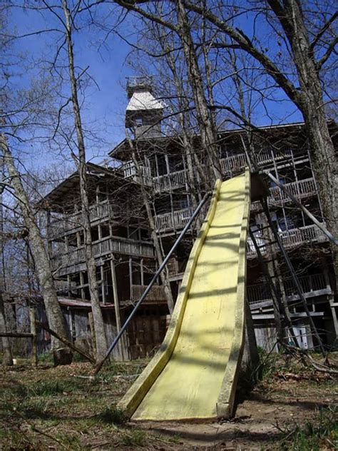 The world's biggest treehouse